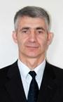 Сильный тренер по карате - преподаватель Сергей Иванович.