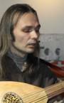 Сильный репетитор по игре на лютне (Петр Борисович) - недорого для всех категорий учеников.
