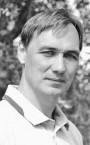 Сильный тренер по ушу - преподаватель Денис Иванович.