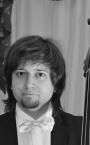 Сильный репетитор по игре на контрабасе - преподаватель Кирилл Николаевич.