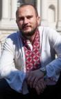 Хороший репетитор украинского языка (Сергей Васильевич) - номер телефона на сайте.